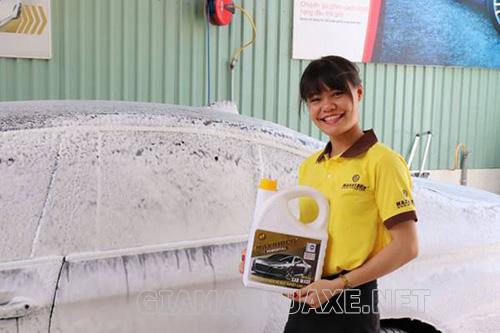 Giá thành nước rửa xe không chạm khá phù hợp với người tiêu dùng hiện nay