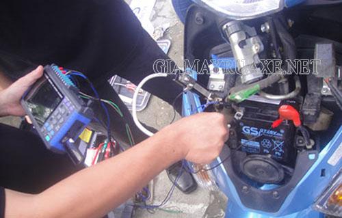 Bộ rơ le bị hỏng là một trong những nguyên nhân dẫn đến xe máy bị cháy cầu chì