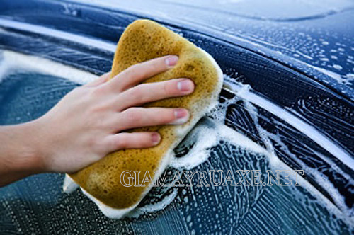 Rửa xe bằng dầu hỏa
