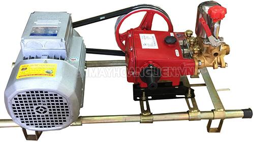 Máy rửa xe dây đai đầu ngang được thiết kế đơn giản, chắc chắn