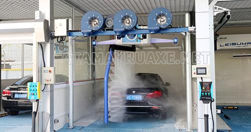Hệ thống máy rửa xe ô tô tự động