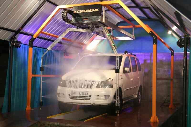 Hệ thống rửa xe ô tô tự động Schumak