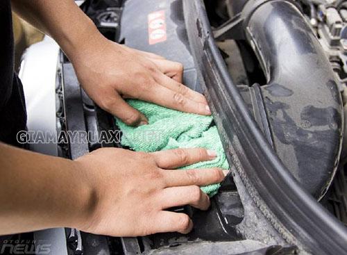 Những phương pháp rửa máy xe ô tô tại Hà Nội