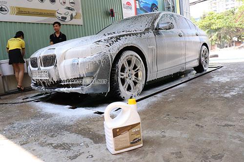 Các loại nước rửa xe đều có ưu điểm làm sạch nhanh chóng và không hại da tay