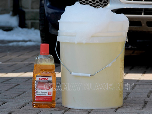 Nước rửa xe hỗ trợ rất lớn cho công việc vệ sinh phương tiện