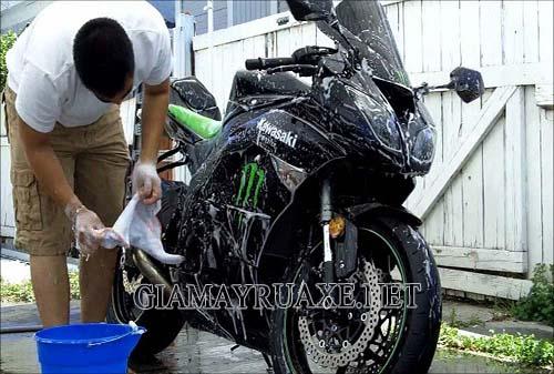 bao lâu rửa xe 1 lần