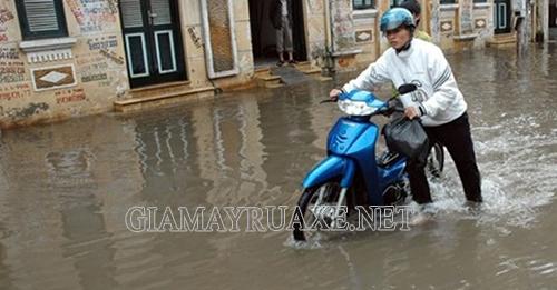 xe máy bị ngập nước