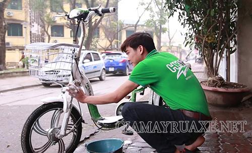 Cách rửa xe đạp điện an toàn