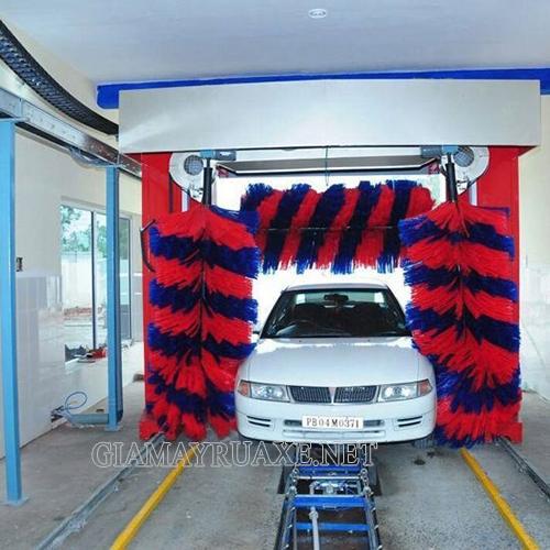 Hệ thống rửa xe tự động làm sạch ô tô nhanh chóng