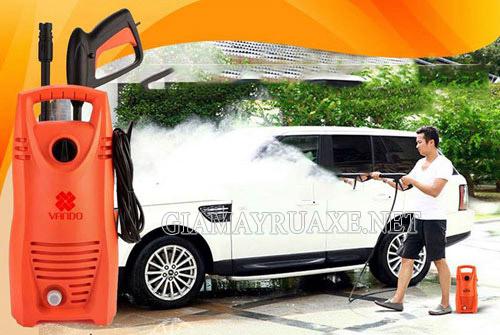 Máy rửa xe vando