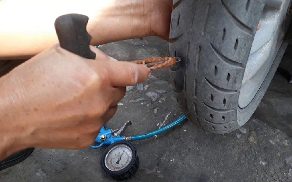 lốp xe bị chửa