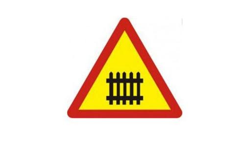 Biển báo giao thông nguy hiểm