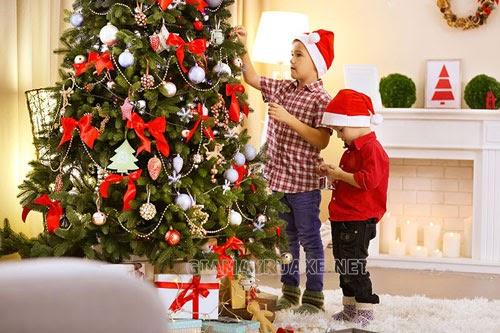 trang trí cây thông Noel trong nhà đẹp nhất